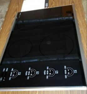 "Wolf Induction Cooktop 30"" CT30I/S FOR PARTS ONLY"