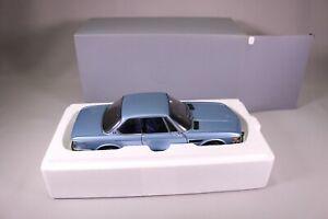 LA052 AUTOART 80430404077 rare voiture 1/18 BMW 3.0 CSi bleu métal &:18