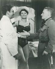 SOPHIA LOREN PETER SELLERS THE MILLIONAIRESS 1960 PHOTO ORIGINAL #113
