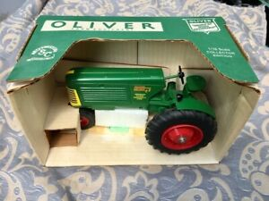 Spec-Cast Oliver 88 Row Crop tractor 1/16 mint in box 1996 Indiana toy show