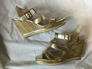 New Look ~ Gold Strappy  Ankle Strap Cork Wedges Platforms Sandals ~ Size 7 40