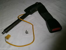 LAND ROVER DISCOVERY SERIES 2 TD5 OR V8 EARLY left SEAT BELT PRE-TENSIONER  (6)