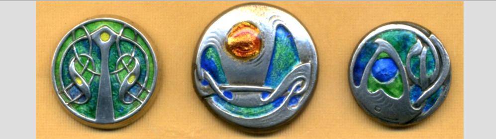 Qtazza Button...Antique Buttons