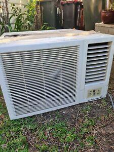 Kelvinator window air conditioner 3.9kw
