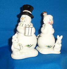 Snow Couple Holly Holiday Ivory Background Multi-color Salt Pepper Shakers NEW