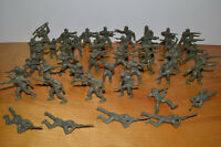 "Vintage LIDO PLASTIC ARMY MEN Toy Soldiers Lot 1960s 2.5"" Green Flat Foot"