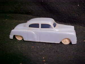Plasticville- Vintage Postwar- BLUE O Scale Auto - for Scenes or Sets- PERFECT