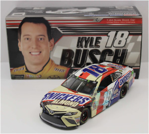 NASCAR 2018 KYLE BUSCH #18 SNICKERS ALMOND CANDY BAR  1/24 CAR