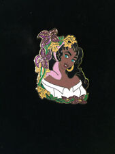 Disney Flower Portrait Series - Esmeralda LE 500 Pin