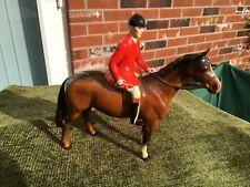 EXCELLENT BESWICK HUNTSMAN ON BROWN HORSE