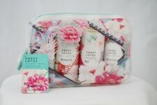 BNWT  Accessorize Sweet Lotus Gift Set Travel Collection in PVC Wash Bag RRP £15