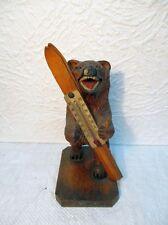 """Statuette en bois sculpté """"Ours avec une paire de skis"""" (thermomètre)"""