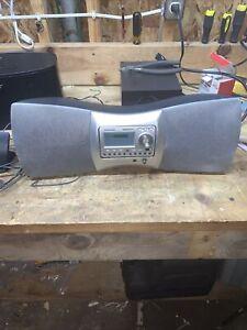Delphi SKYFi 2 XM Sirius Radio SA10001 Boombox Dock Receiver