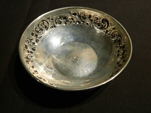 """925-1000 Fine Sterling Silver Floral Repousse Bowl 40g Monogrammed """"E"""" #383A"""