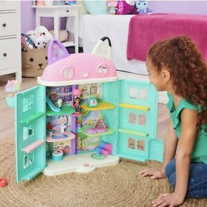 DreamWorks Netflix Gabby's Purrfect Dollhouse With 15 Pcs Toy Figures NEW