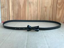 WOMENS BRAND NEW BLACK PVC ADJUSTABLE FAUX LEATHER BOW BELT SIZE 6 - 18 APPROX