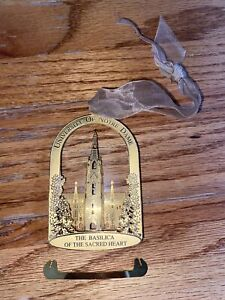 USED 1994 ANNUAL COLLECTIBLE NOTRE DAME CHRISTMAS ORNAMENT THE BASILICA