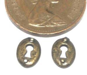 1:12 Scale Pair Of Metal Keyholes Tumdee Dolls House Door Furniture Set DIY 768