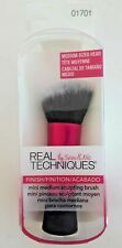 NEW - Real Techniques - Medium sized head - Mini Sculpting Make-up Brush 01701
