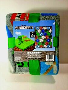 Minecraft Soft and cozy! ™ plush throw blanket 40in x 50in GREEN