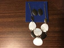 Avon Mother of Pearl and Hammered Gold Tone Bib Necklace Gift Set New
