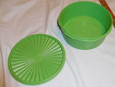 vintage Tupperware Green color Covered Bowl Dish 1204-11 round