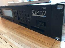 KORG 01R/W Synthesizer + Rackohren , Workstation ,01 RW