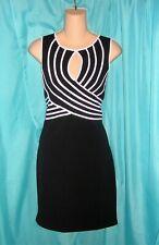 MODERN Geometric LINES Black WHITE SWEEPING Bodice DRAMATIC Stylish DRESS 8
