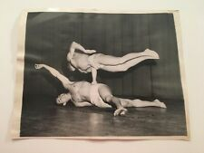 S1) Original 1947 Uso Us Army Official Press Release Gymnast Photograph