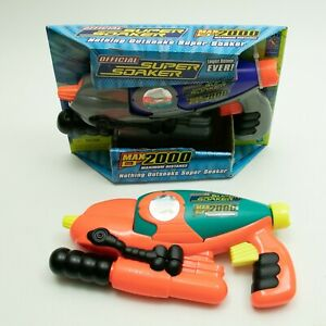 2 Super Soaker SoakerTag Max-D 2000 Twin Pack High Performance Blasters