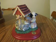 """1999 Mary's Moo Moos """"Wishing Moo Well"""" limited edition Bank with wooden base"""