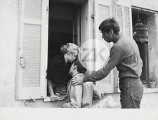 BRIGITTE BARDOT Roger VADIM TRINTIGNANT Lapin Tournage Et Dieu.. Femme Photo '56