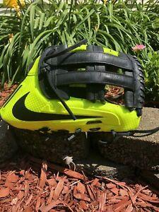 NIKE Vapor V360 Hyperfuse Volt black RHT Baseball Glove 12.75 with Custom Web