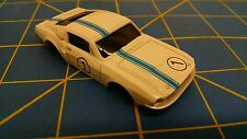 White / Blue Ford Mustang American Line Body HO Mid America AML B451-W