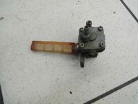 11. Suzuki Gsxr 1100 GU74 C Llave de Purga Grifo de Gasolina Combustible Tapón