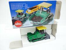 SIKU 3131 1/50 VOGELE SUPER 1900 ROAD PAVER  NEW OVP