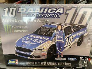 1/24 Danica patrick #10 Revell Ford Fusion ASPEN DENTAL FORD FUSION KIT