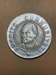 Turkey One Lirasi Current Circulated Bimetallic Coin Dated 2005