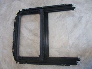 Volkswagen Passat Factory Sliding Sunroof Frame Mechanism 01 02 03 Used OEM