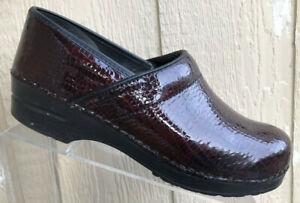 Sanita Womens Burgundy Snake Print Patent Leather Prof Clogs Size 42  10.5-11