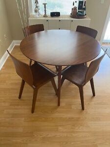 """west elm 42"""" round table and 4 chairs set"""