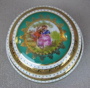 "Pretty vintage Limoges porcelain ""Lovers"" POWDER JAR / TRINKET BOX. Green. 10 cm"