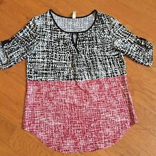 Peep Hole Front Detail Black and Red Print Blouse Top Petite Medium