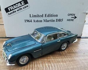Danbury/Franklin mint 1:24 1964 Aston Martin db5 Aegean blue Classic model 118