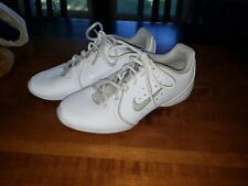 Nike Women's Cheerleading Shoes Size 5.5 647937-100 Nurse shoes when need white