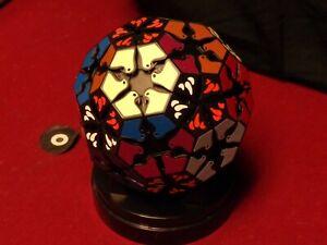 Black very puzzle LOVE BIRD . twisty brain teaser. good conditon, Not a cube.