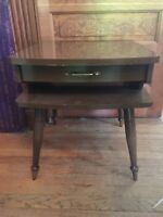 Vintage Mid Century Modern Wood End Table With Drawer