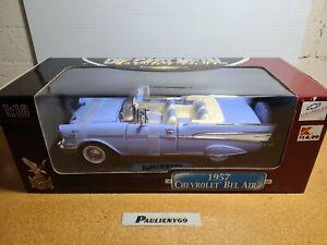 1957 Chevrolet Bel Air Convertible Larkspur Blue 1:18 Road Signature Deluxe MIB