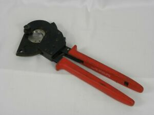 "Klein Tools 13- 3/4"" OAL 1-1/4"" Capacity Ratcheting Cable Cutter 63800ACSR"