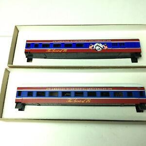 Lot Of 2 ROUNDHOUSE HO SCALE  HARRIMAN BICENTENNIAL PASSENGER CARS